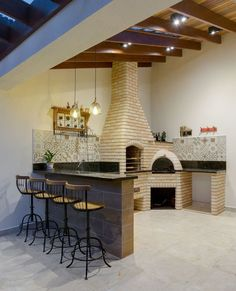 This outdoor area with barbecue and wood burning oven in tijo . This outdoor area with barbecue and wood burning oven in tijo . Home Design Decor, Küchen Design, House Design, Outdoor Kitchen Design, Home Decor Kitchen, Wood Burning Oven, Backyard Patio Designs, Diy Pergola, Sweet Home