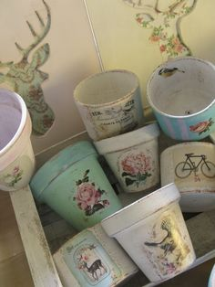 Macetas pintadas y decoradas - Macetas - Casa - 34596 Clay Pot Crafts, Diy And Crafts, Arts And Crafts, Decoupage Vintage, Vintage Crafts, Decoupage Ideas, Craft Projects, Projects To Try, 3d Prints