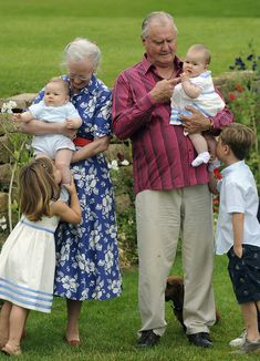Queen Margrethe II, Prince Consort Henrik of Denmark, Prince Christian (R) and Princess Isabella (L) and the twins Prince Vincent Frederik Minik Alexander and Josephine Sophia Ivalo Mathilda pose during a photocall at Grasten Castle Greek Royal Family, Denmark Royal Family, Danish Royal Family, Casa Real, Crown Princess Mary, Prince And Princess, Princess Josephine Of Denmark, Queen Of Sweden, Prince Frederik Of Denmark