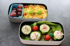 Bentobox mit gefüllter Gurke und Curry-Reis Heute gab es diese lecker Box zum lunch. Vegetarisch, frisch und ich fand Sie sehr lecker! Freue mich auf Euer Feedback! #Bento #Foodblog #ichliebebento #Lunch #reis #Rezepte #Vegetarisch
