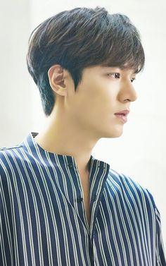 Lee Min Ho as Heo Joon Jae in Legend of the Blue Sea New Actors, Cute Actors, Actors & Actresses, Korean Drama Stars, Korean Star, Asian Actors, Korean Actors, Heo Joon Jae, Lee Min Ho News