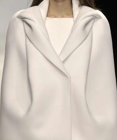 by Tze Goh, student of London's Central Saint Martins College of Art & Desig… – Fashion Trends 2019 Look Fashion, Fashion Details, High Fashion, Winter Fashion, Womens Fashion, Fashion Design, Fashion Trends, Classic Fashion, Fashion Beauty