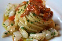 Spaghetti aglio, olio, peperoncino, gamberetti e botterga