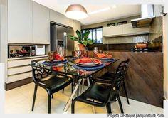 Apaixonada pelo granito chocolate usado nesta cozinha. Por Arquitetura Pura. Ad http://ift.tt/1U7uuvq arqdecoracao arqdecoracao @arquiteturadecoracao @acstudio.arquitetura #arquiteturadecoracao #olioliteam #canalolioli #instagrambrasil #decor #arquitetura #adcozinha #cozinha #kitchen