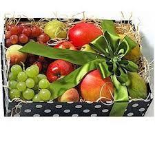 caixa de café da manhã - Pesquisa Google Gift Hampers, Gift Baskets, Fruit Gifts, Fruit Box, Fruit Arrangements, Fruits Basket, Basket Ideas, Hostess Gifts, Christmas Holidays
