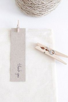 [ minimal gift wrapping and thank-you-note.jpg by the style files]
