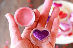 A recipe for homemade lip gloss that contains no petroleum products!  My girls will love this!
