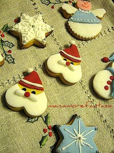 Christmas Desserts, Christmas Treats, Christmas Baking, Christmas Time, Gingerbread Cookies, Christmas Cookies, Homemade Frappuccino, Scones Ingredients, Christmas Biscuits