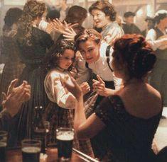 rose and jack dancing in titanic Film Titanic, Rms Titanic, Titanic Behind The Scenes, Le Retour Du Jedi, Titanic Quotes, Leonardo Dicapro, Leo And Kate, Jack Dawson, Young Leonardo Dicaprio