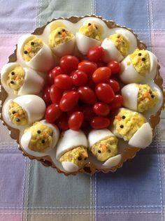 Easter food.... i didn't see a recipe, I just like the cute idea..