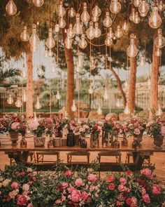 Reposted from - Rustic Chic Wedding Details. Night Wedding Photos, Wedding Night, Chic Wedding, Perfect Wedding, Rustic Wedding, Dream Wedding, Light Wedding, Wedding Trends, Wedding Couples