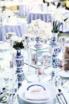 Chinoiserie wedding table decor // Wilis and Etika's 'Chinoiserie Infused with Rococo' Bali Wedding