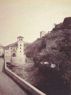 Carrera del Darro. Iglesia de San Pedro y San Pablo. 1885-1890. San Gil, Granada, San Pablo, Old Pictures, Monument Valley, Mount Rushmore, Carrera, Mountains, Black And White