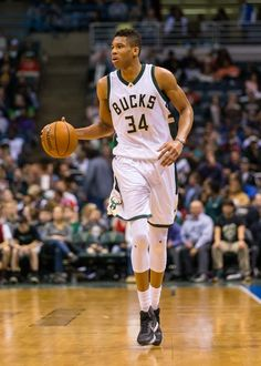 cdn.fansided.com wp-content blogs.dir 94 files 2016 03 giannis-antetokounmpo-nba-miami-heat-milwaukee-bucks-4.jpg