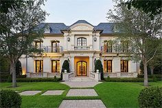 Celebrity Houses and Mansions, Rich People Mansions & African Mansions for Sale !: Square Foot French Inspired Home In Highland Park, TX French Mansion, French Chateau Homes, Modern Victorian Homes, Modern Mansion, Rich Home, Expensive Houses, Celebrity Houses, Celebrity Mansions, Inspired Homes