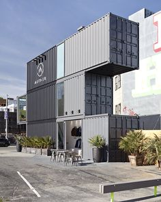 Why make only a room if you can actually make a full cabin from a shipping container? This modern and minimalist cabin shows you that a container can actually be a full cozy living space that consists Container Office, Container Shop, Container House Design, Shipping Container Buildings, Shipping Container Homes, Temporary Architecture, Modern Architecture, Container Conversions, Casas Containers