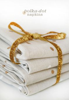 How to make your very own DIY gold Polka Dot Napkins.  Perfect Christmas gift.