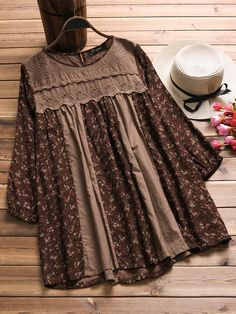 Weinlese-Frauen mit Blumenmuster Patchwork Langarm Blousese - NewChic Mobile Source byO-NEWE Vintage Women Floral Printed Patchwork Long Sleeve Blousese can cover your body well, make you more sexy, Newchic offer cheap plus size fashion tops for wome Stylish Dresses For Girls, Stylish Dress Designs, Dresses Kids Girl, Pakistani Dresses Casual, Pakistani Dress Design, Casual Dresses, Frock Fashion, Fashion Dresses, Kids Dress Wear