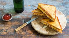 Korean egg toast (gaeran to su tu) | Egg toasts are sold by street stall vendors in Korea to cater for those in a hurry. Koreans usually have a hot breakfast of rice, soup, kimchi and side dishes. These pan fried white bread toasted egg sandwiches are a fusion of Asian flavours and Western influences. The addition of cabbages lends a lovely crunch to the soft egg omelette.