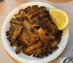 Ελληνικές συνταγές για νόστιμο, υγιεινό και οικονομικό φαγητό. Δοκιμάστε τες όλες Greek Recipes, Vegan Recipes, Cooking Recipes, Vegan Food, Food To Make, Stuffed Mushrooms, Pork, Food And Drink, Veggies