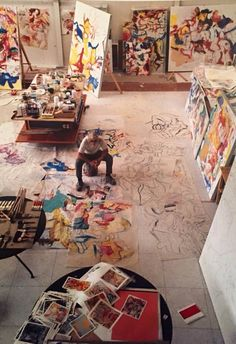 Willem de Kooning surrounded by sound.