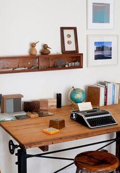 Desk typewritter