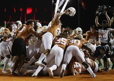 Texas Longhorns : College football: Best images from Week 1 Texas Longhorns, Sport Girl, College Football, Alabama, Tennessee, Sports, Image, Hs Sports, Collage Football