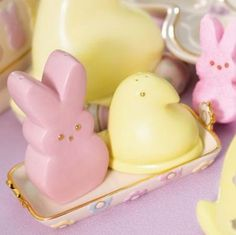 peeps!! Salt and pepper shakers!!!! I want I want I want!!!! Would match my peeps cookie jar