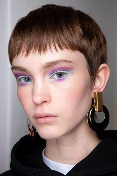 Cividini at Milan Fashion Week Spring 2020 - Care - Skin care , beauty ideas and skin care tips Beauty Care, Diy Beauty, Beauty Makeup, Beauty Hacks, Hair Makeup, Face Beauty, Beauty Magic, Homemade Beauty, Makeup Eyeshadow