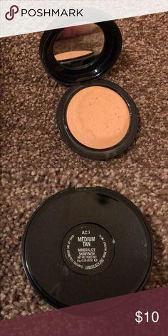MAC medium tan powder MAC medium tan powder MAC Cosmetics Makeup Foundation