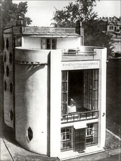 HOUSE OF KONSTANTIN MELNIKOV