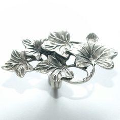 Anel Era, banhado a prata envelhecida, confira no link!!! http://www.hazineacessorios.com.br/aneis/anel-de-zamac-cod-a-4004.html