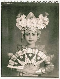 Balinese. Beautiful Indonesian portrait.