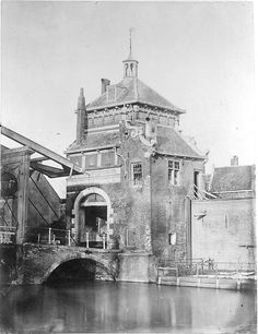 Dordrecht: Spuipoort Beautiful Buildings, Medieval Town, Old City, Holland, 19th Century, Dutch, Past, Old Things, History
