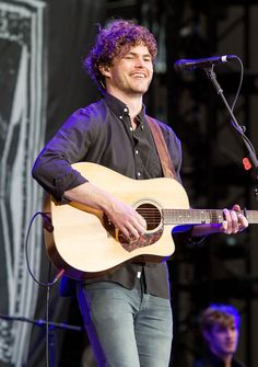 Vance Joy, Taylor Swift's 1989 Tour Opening Act, on What He's Learned from the Megastar Vance Joy, 1989 Tour, Taylor Swift, Joy Taylor, Concert Photography, Music People, Height And Weight, Twenty One Pilots, New Music