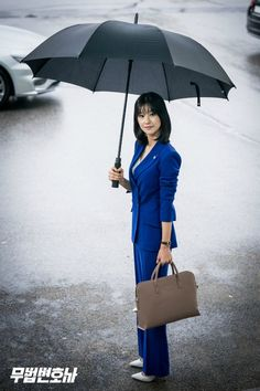 Set images for the Korean drama Lawless Lawyer starring Lee Joon-gi and Seo Ye-ji Joon Gi, Lee Joon, Korean Actresses, Actors & Actresses, Hyun Seo, Afghani Clothes, Lawyer Fashion, Lawyer Outfit, Park Bo Young