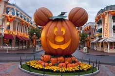 26 Things You'll See At Mickey's Halloween Party