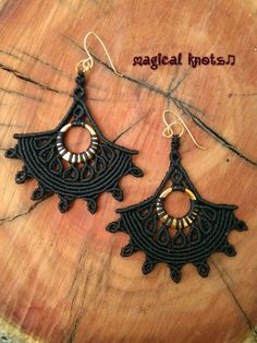 Macrame black earrings with golden details