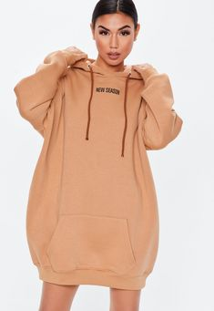 46 Brilliant Oversized Hoodie Ideas For Women To Try Asap - - Awesome 46 Brilliant Oversized Hoodie Ideas For Women To Try Asap Source by fashionfullfit Oversized Hoodie Outfit, Sweatshirt Outfit, Oversized Dress, Warm Outfits, Cute Outfits, Rare Clothing, Trendy Hoodies, Teen Fashion Outfits, Aesthetic Clothes