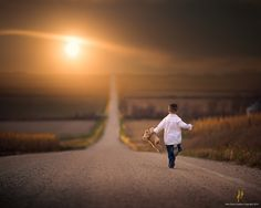 Photo Run Home by Jake Olson Studios on Cute Kids Photography, Sunset Photography, Amazing Photography, Lightroom, Photoshop, Sunset Family Photos, Bless The Child, Background Images Hd, Boy Photos