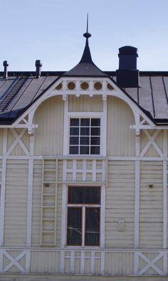 Jugend house in Vaasa, Finland. Jos tämä on se talo lähellä Vaasan Lasipajaa, niin sit mä olen ollut täs talos.
