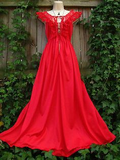 Vtg 70s Red Lace Flutter Maxi Sleep Dress Night Gown Classic Moulin Rouge M/L