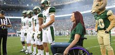 The 2014 #CSUHomecoming Parade will honor swimming legend Amy Van Dyken for her fighting spirit and ability to overcome challenges.