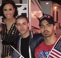 Demi Lovato, Nick Jonas, and Joe Jonas // 4th of July 2016