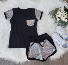 Cute Girl Outfits, Sporty Outfits, Baby Girl Dresses, Baby Girl Fashion, Kids Fashion, Baby Dress Design, Cute Girls, Designer Dresses, Vintage Dresses