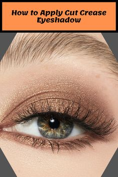 How to Apply Cut Crease Eyeshadow Cut crease eyeshadow is one of the newest and most popular eye makeup trends. It is basically any eye m. Gold Cut Crease, Cut Crease Eyeshadow, Cut Crease Makeup, Makeup Eyeshadow, Eyeliner, Eye Makeup Tips, Makeup Trends, Beauty Makeup, Beauty Tips