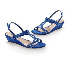 Sandále na klinovom podpätku, s flitrami | blancheporte.sk #blancheporte #blancheporteSK #blancheporte_sk #spring #summer #wear Spring Summer, Shoes, Fashion, Moda, Shoe, Shoes Outlet, Fasion, Footwear, Zapatos