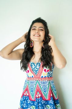 Kannada Actress Rashmika Mandanna images are shot for the latest movie screening test while smiling. Rashmika is in full swing with back-to-back hit films. Beautiful Girl Indian, Most Beautiful Indian Actress, Beautiful Actresses, Indian Film Actress, South Indian Actress, Cute Girl Poses, Cute Girls, Samantha Photos, Girls Dpz