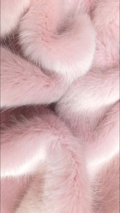 Image about pink in L O N D E N by Enjoy life, it's already short Picture found by 𝓈𝒶𝓂𝒶𝓃𝓉𝒽𝒶 𝓈𝑒𝓇𝑒𝓃𝒶 ✰.) Your own images and videos in We Heart It pink Rose Gold Wallpaper, Pink Wallpaper Iphone, Iphone Background Wallpaper, Aesthetic Iphone Wallpaper, Aesthetic Wallpapers, Pink Fur Background, Glitter Background, Whats Wallpaper, Purple Aesthetic