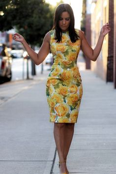 Yellow Floral Dress Source by dresses Simple Dresses, Elegant Dresses, Pretty Dresses, Beautiful Dresses, Casual Dresses, Short Dresses, Dresses For Work, Floral Work Dresses, African Fashion Dresses